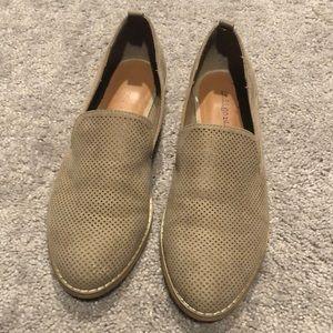 Indigo rd. Taupe shoes